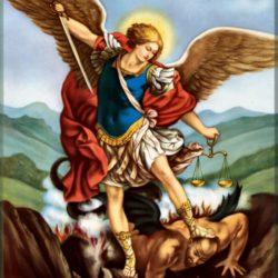 Aprenda la oración a San Miguel Arcángel para deshacer brujería