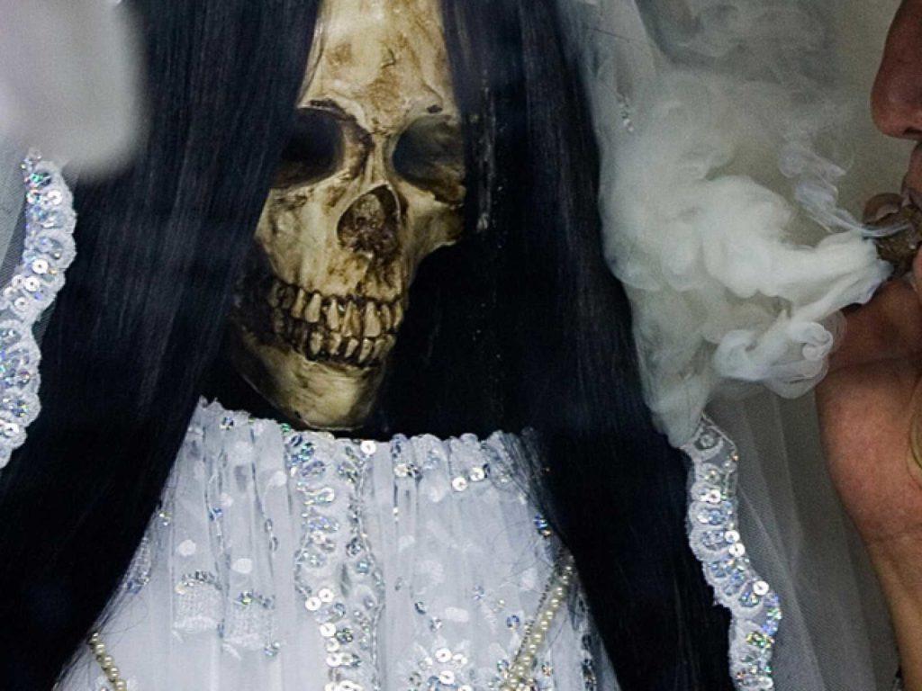 santa muerte blanca